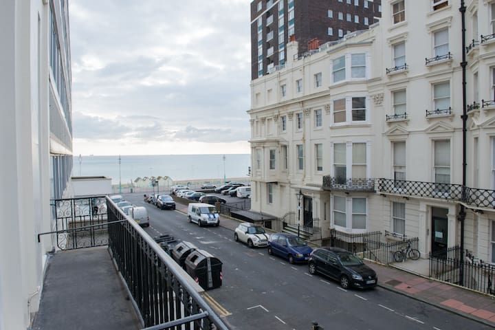 Quiet central  Seaside  Apartment Balcony Sea View