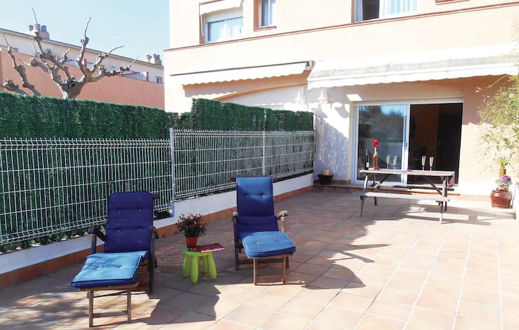 Semi-Detached with 3 bedrooms on 76 m² in Altafulla