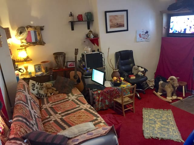 HIPPY @ HEART, 1 bed flat in central Windermere