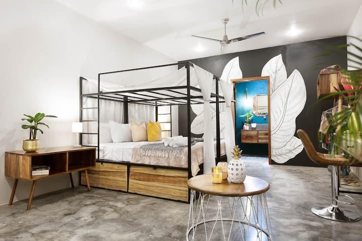 the SPACE - Boutique hostel - Master Suite + Fan