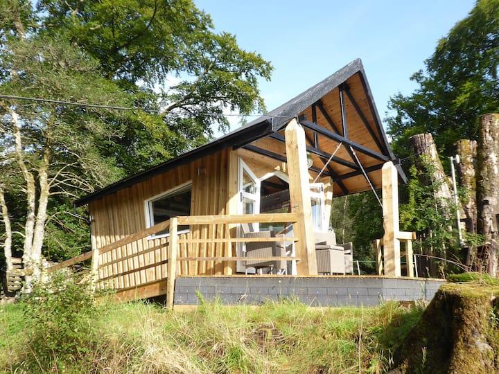 The Crazy Cabin, Bunarkaig, Achnacarry, Scotland