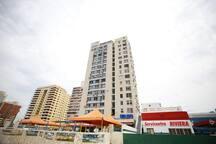 Nuestro edifico visto desde el Malecón