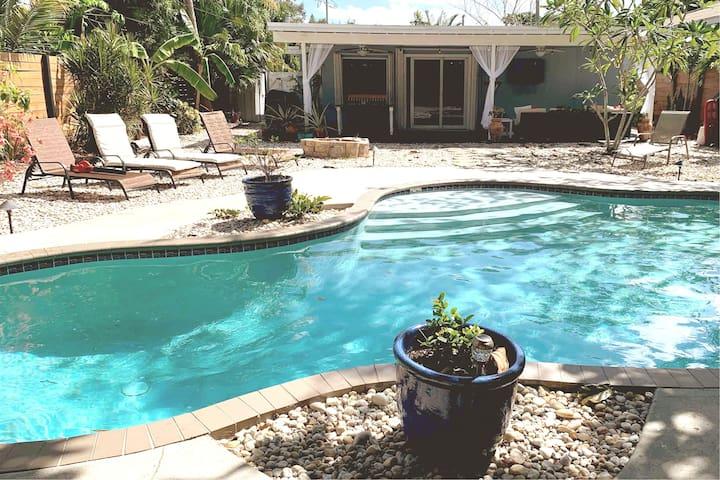 The Seahorse Ranch   3BR Pool Home near Beaches