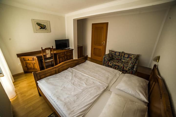 Guesthouse pri Petelinih, Double room with balcony