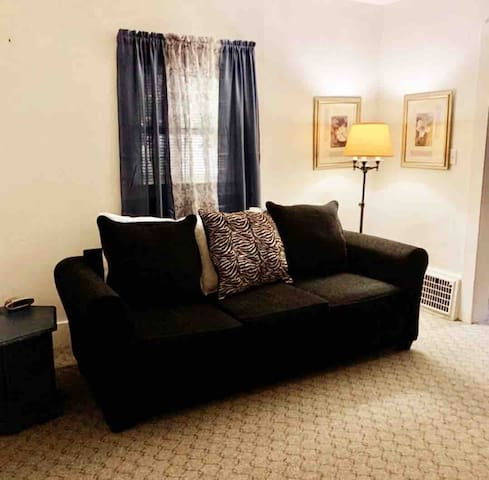 Comfortable BR #2 in a  Gray House  Near Downtown