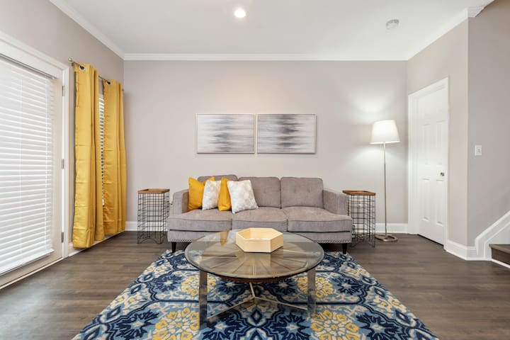 ATL TownHome-(Close it All)