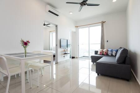 Charming, Modern & Cozy 1BR Condo - Shah Alam