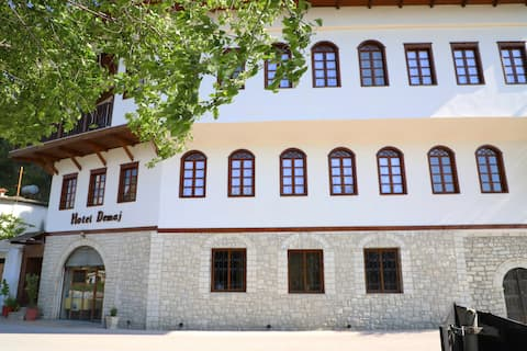 Demaj Hotel in Berat 3