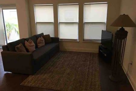 DOWNTOWN MIAMI Beautiful unit in the heart of DT