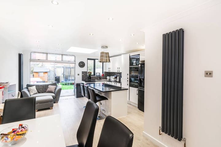 Renovated terrace house in lovely Walthamstow