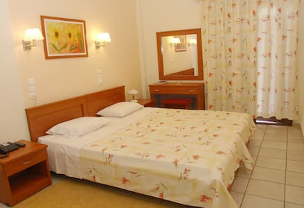Family room in split level 4-5 pers with breakfast