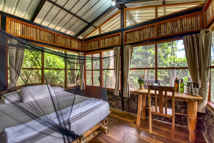 FarmHouse: off-grid treehouse on Organic PC farm