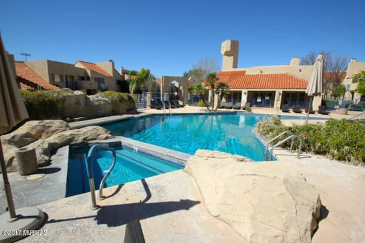 Modern Catalina Foothills Condo