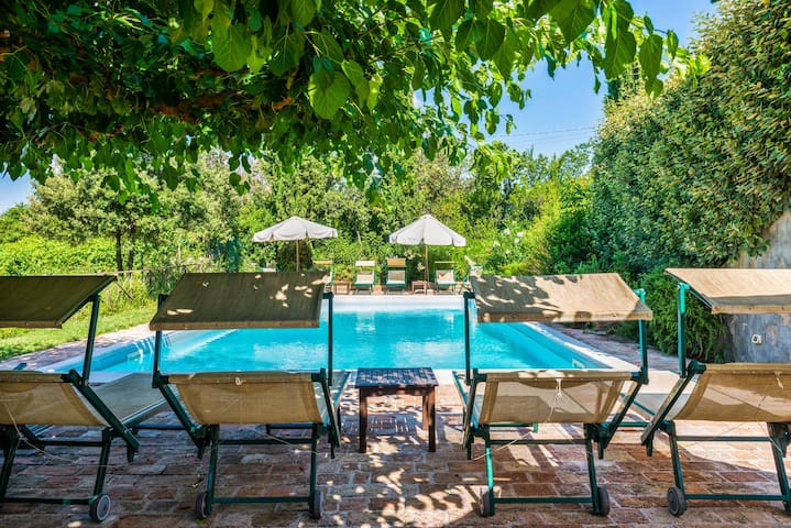 Lovely apartment w/ shared pool and terrace!