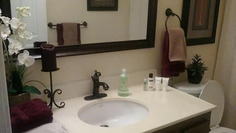 Clean and Comfy room for rent in Escondido