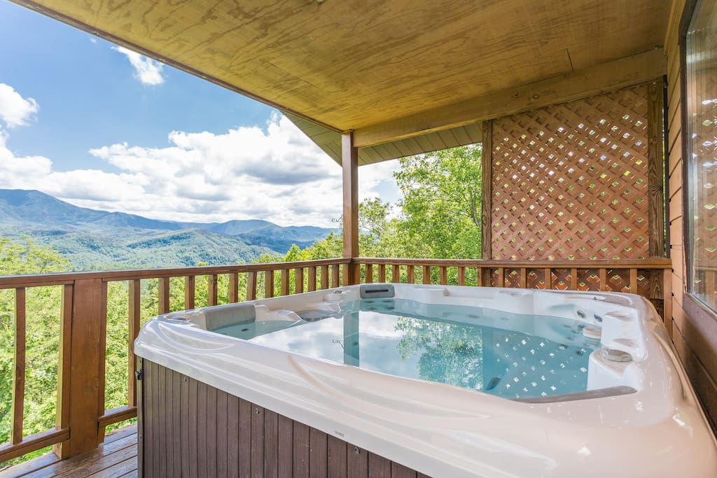 Relax In The Hot Tub While Staring At Mt. Leconte!