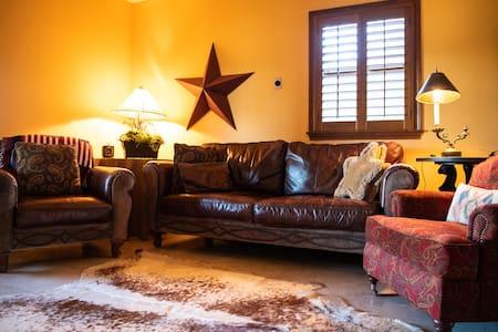 Patio cottage @ Rockin Star Ranch