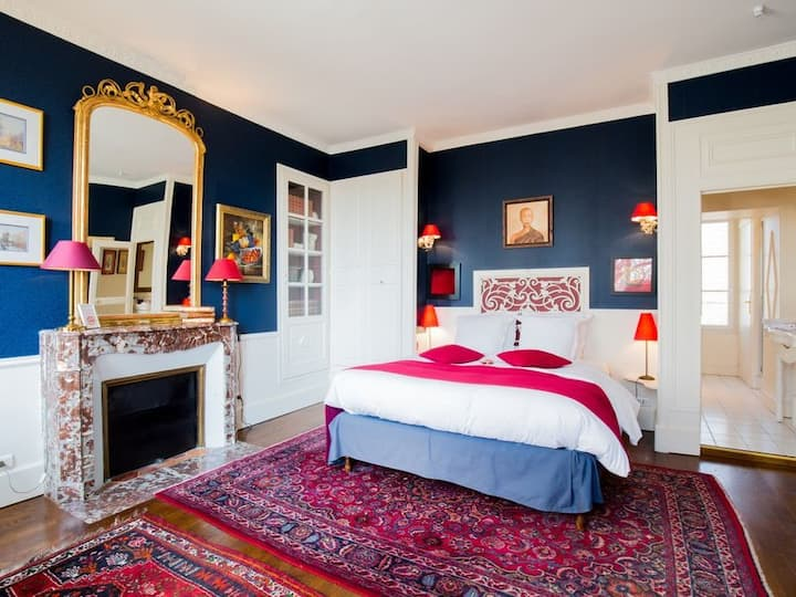 Double room-Comfort-Ensuite with Shower-Garden View-Chambre Bleue