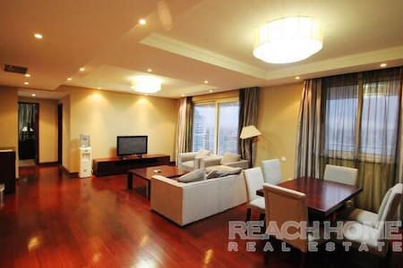 Spacious & High-end apart. near Tianzifang & FFC - Shanghai - Apartment