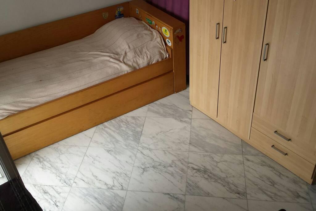 Luminosa stanza singola con bagno privato appartamenti - Stanza con bagno privato roma ...