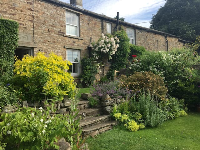Dales Cottage Low Row