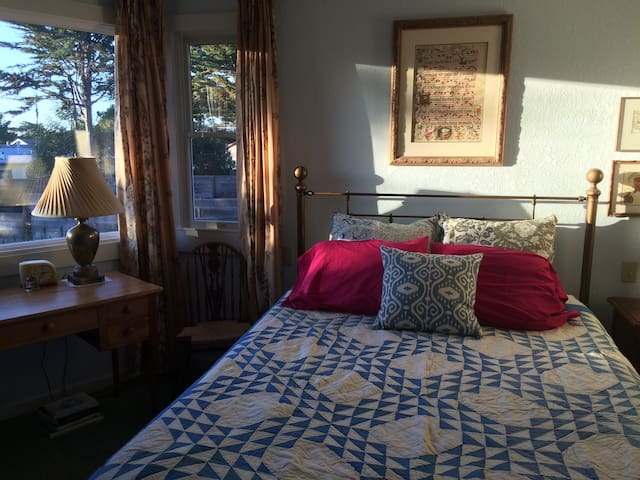 Guest House 5 minutes to Asilomar and Pebble Beach