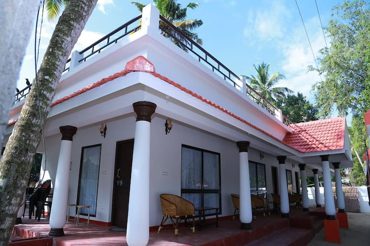 Peacefull stay in a Beach side Villa @ Marari - Mararikulam