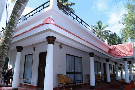 Peacefull stay in a Beach side Villa @ Marari - Mararikulam - Bed & Breakfast