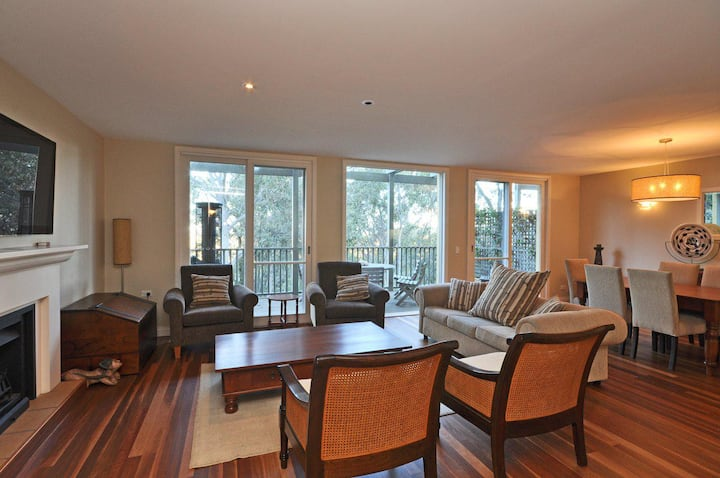 Villa 3br Vista Resort Condo located within Cypress Lakes Resort (nothing is more central)