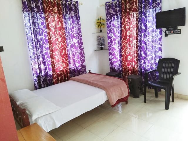 Paithal View Home Stay 6 Beds for 12 people