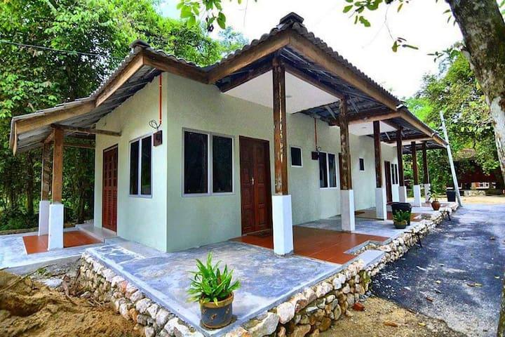 Kampung Karyawan Malim (Buyong Adil 2 Room)