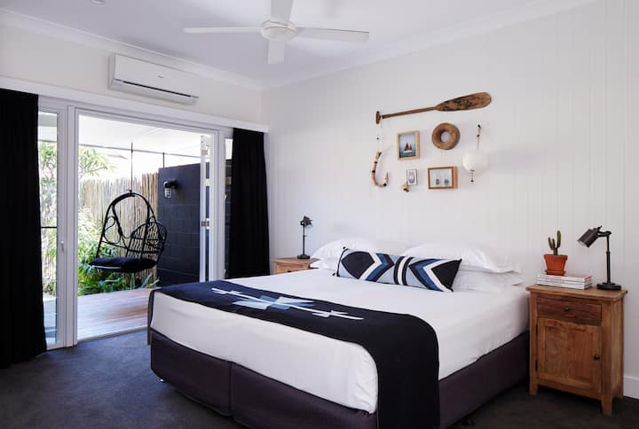 Albatross - Superior Room with Private Courtyard