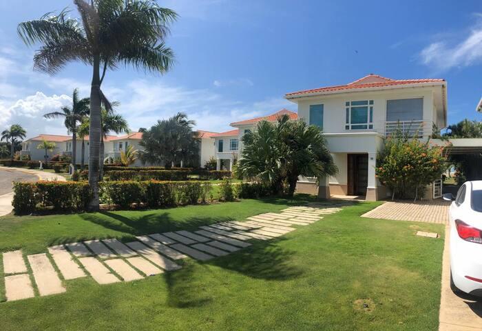 Exclusivas Casas Del Mar en Cartagena de Indias.