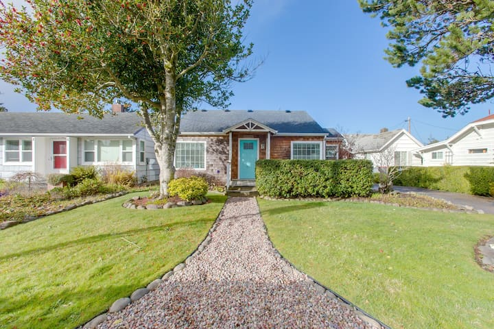 Premium Cleaned | Dog-friendly, updated house w/ patio, great location near beach