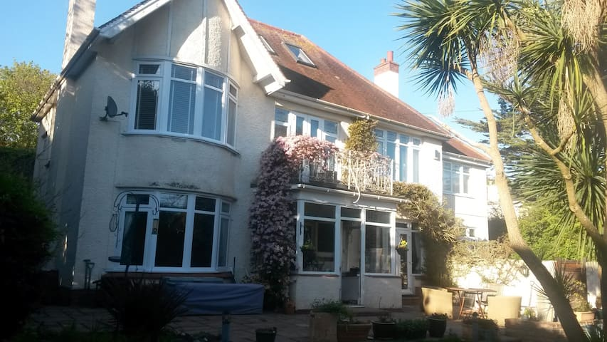 Double room  5mins from Torquay harbour