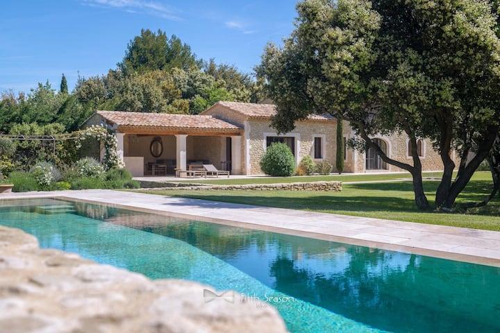 Villa de prestige au coeur de la Provence