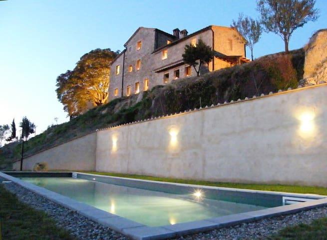 Appartamento con piscina in casale del 1600 - Radicondoli - Byt