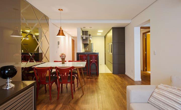 Terraneo 304 - 2 suítes e lavabo, com linda decoração