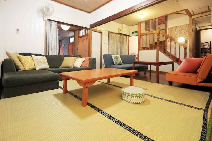 Next to Kokusai Street!! Max16 ppl! Private house!