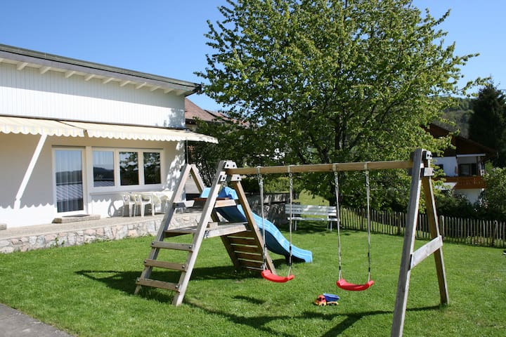 Great location, family-friendly - Eggingen - Lejlighed