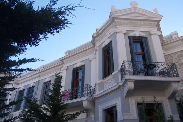 Olympias Boutique Hotel - Mitilini - เกสต์เฮาส์