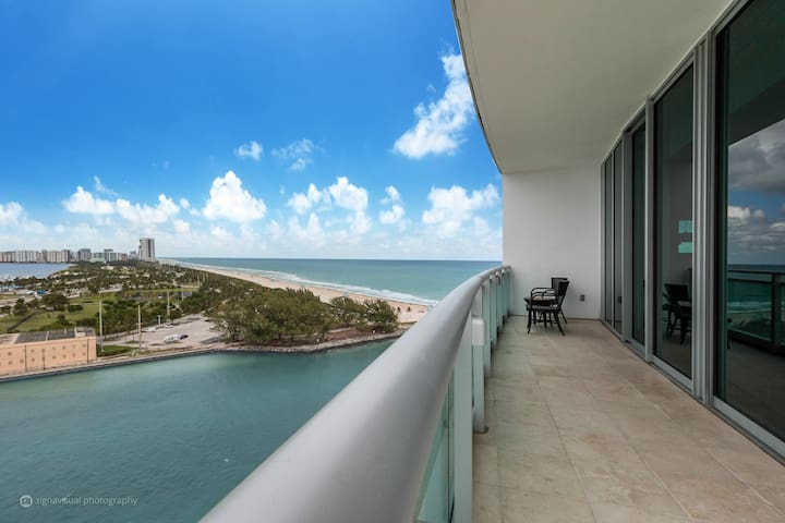 Stunning Partial Ocean View at The Ritz Carlton - Bal Harbour - Apartamento