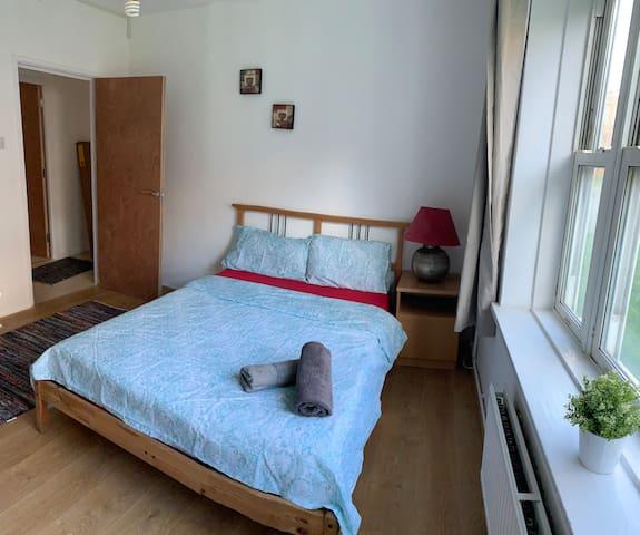 Double room  in Shoreditch ( Gibraltar walk A )