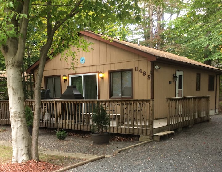 2 bedroom Centrally Located House with Hot Tub