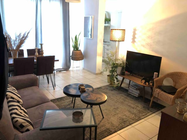 Cozy spacious 1 bedroom flat near city center