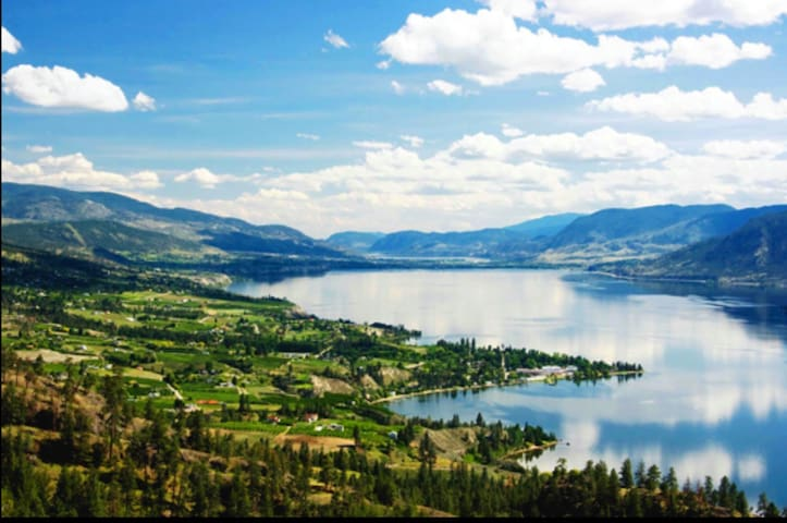 Charming Sunny Naramata Okanagan Lake View House