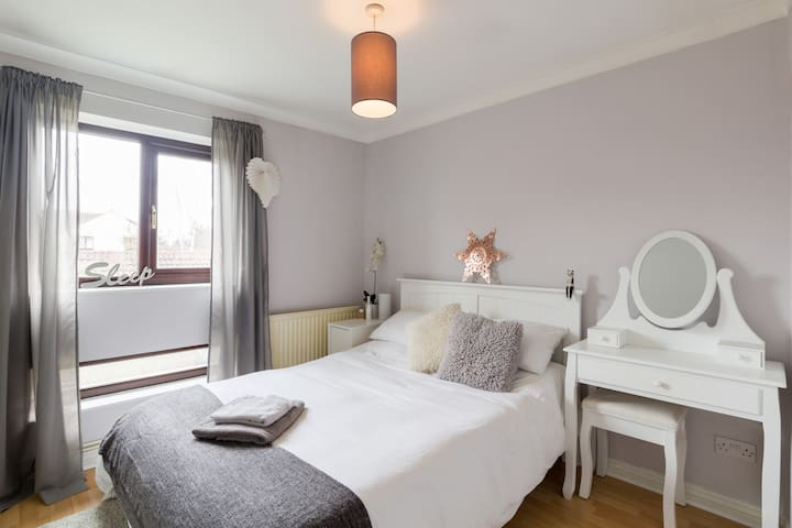 Modern Apartment in central Warwick - Warwick - Apartment
