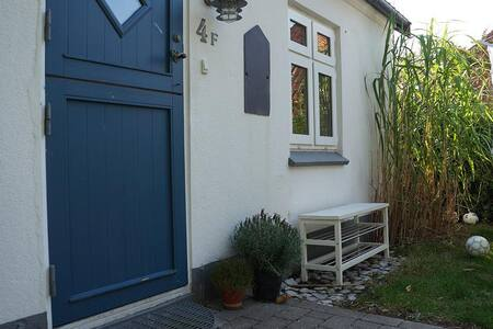 Idyllisk hus i grøn oase - Ebeltoft - บ้าน