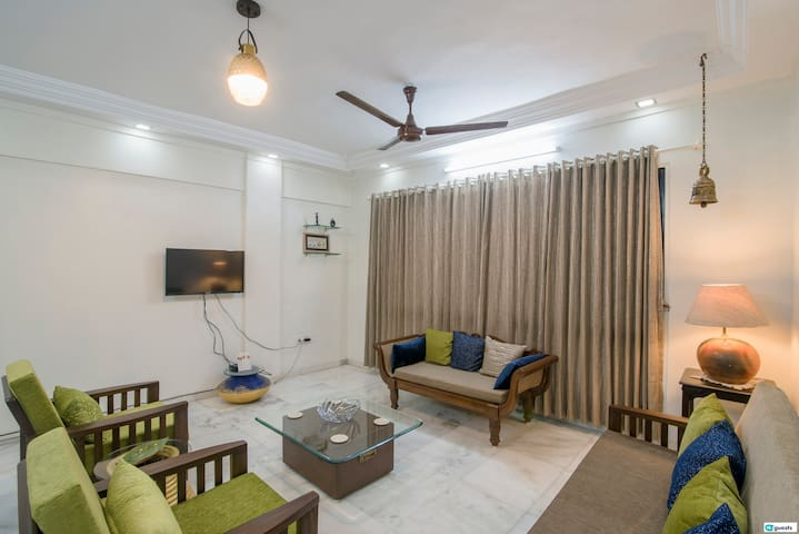 2BR Flat with terrace in Andheri West near Airport
