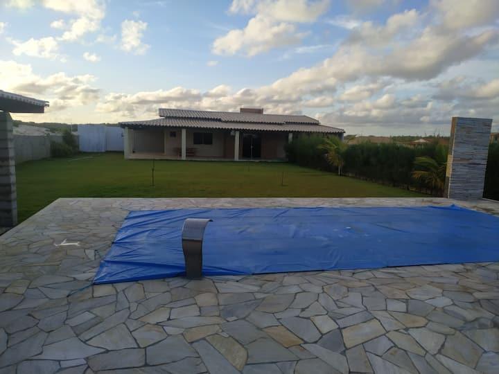 Casa de praia 400 m da praia com piscina